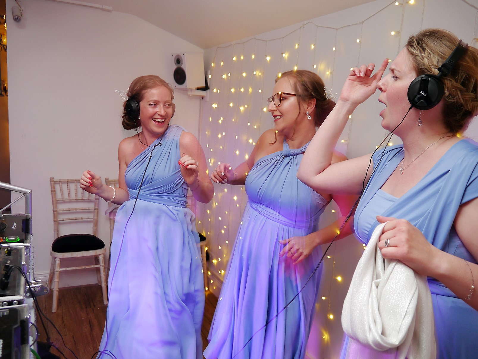 two woods estate-wedding celebrations-wedding entertainment-stick it on